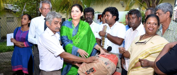 Distribution of Cement Grants – Samata Sevana - for 500 Families in Colombo West Electorate